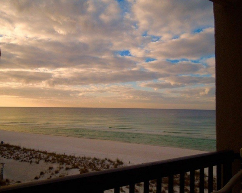 Romantic condo rentals panama city beach